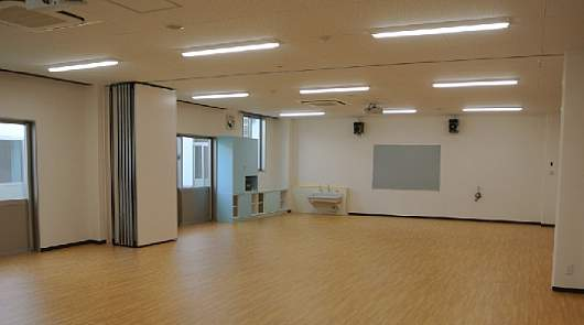 LED照明 教室