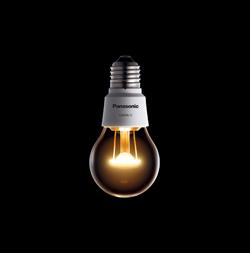 フィラメントが発光するかの様なLED電球